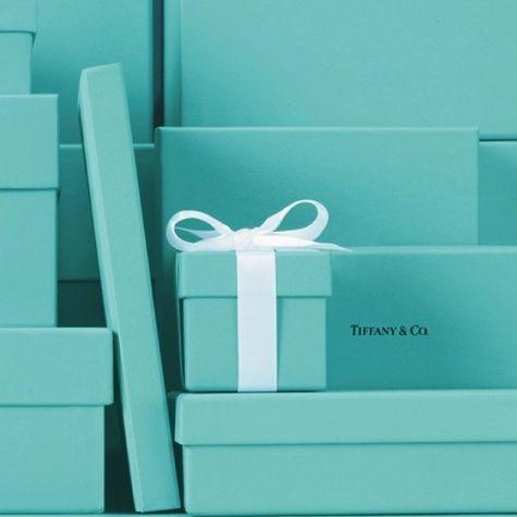 Tiffany : un bleu particulier qui suffit à signifier la marque