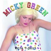 Les couleurs inspirent la chanteuse Micky Green