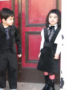 Noir, la couleur fashion pour enfants